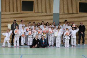 Read more about the article Ju-Jutsu-Gürtelprüfung des TSV Übersee ein voller Erfolg!